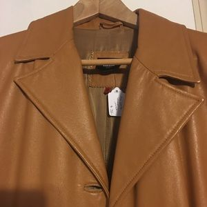 Really pretty camel brown leather coat